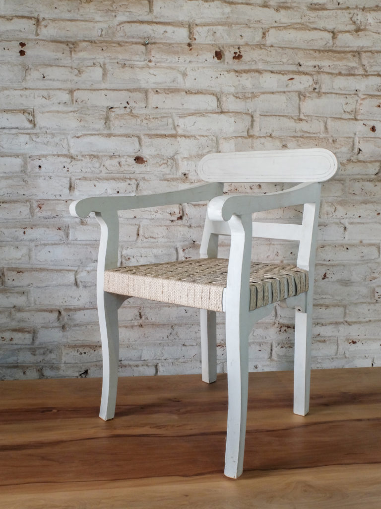 Classic_Dinning_Chair_Arms